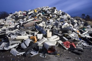 plastics-from-e-waste-from-national-geographic-photographer-1024x682